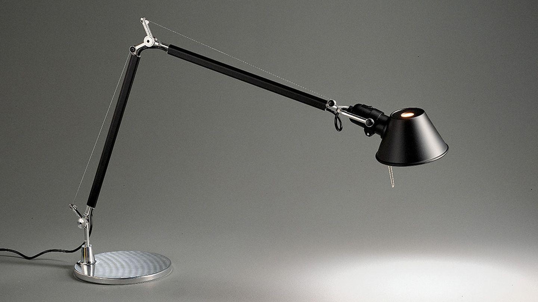 kontorslampor fr n artemide ljusmilj designlampor. Black Bedroom Furniture Sets. Home Design Ideas
